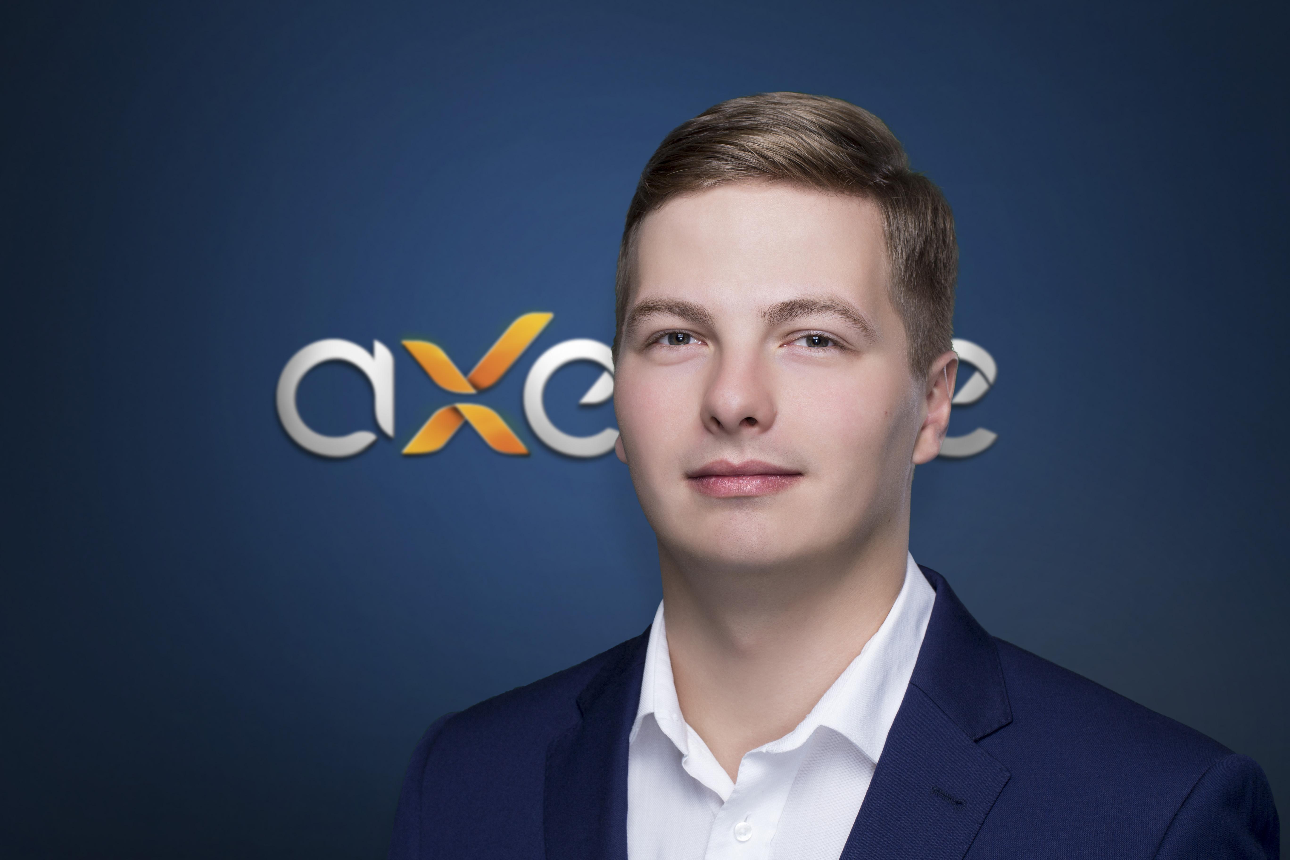 Axence: Jacek Dąbrowski